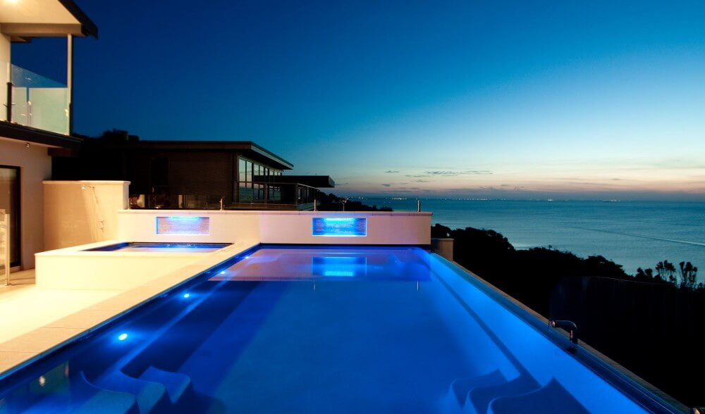 Building infinity pools