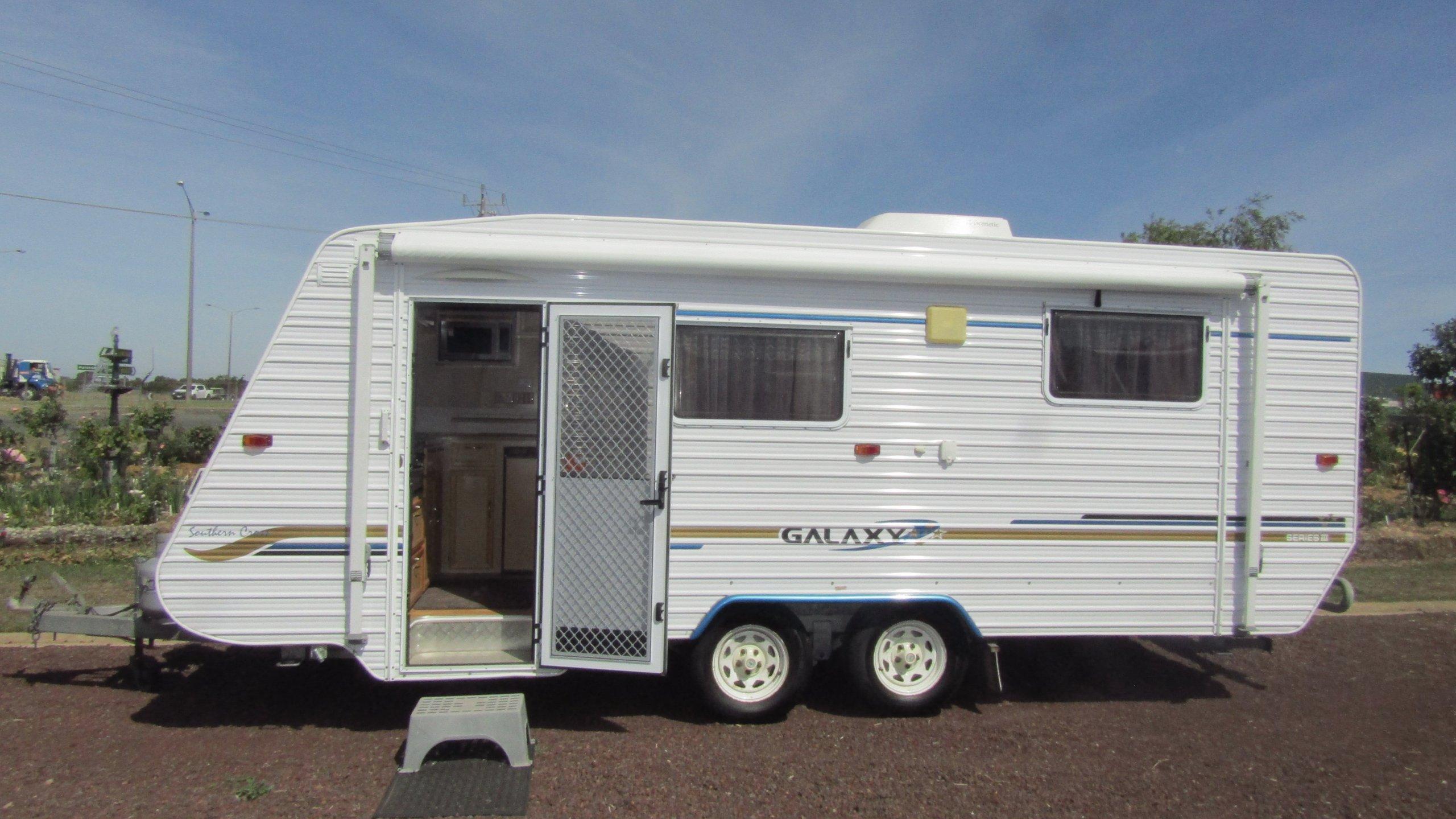 Donehues Leisure Galaxy Southern Cross Caravan Ensuite bathroom Hamilton 12450 IMG 1771