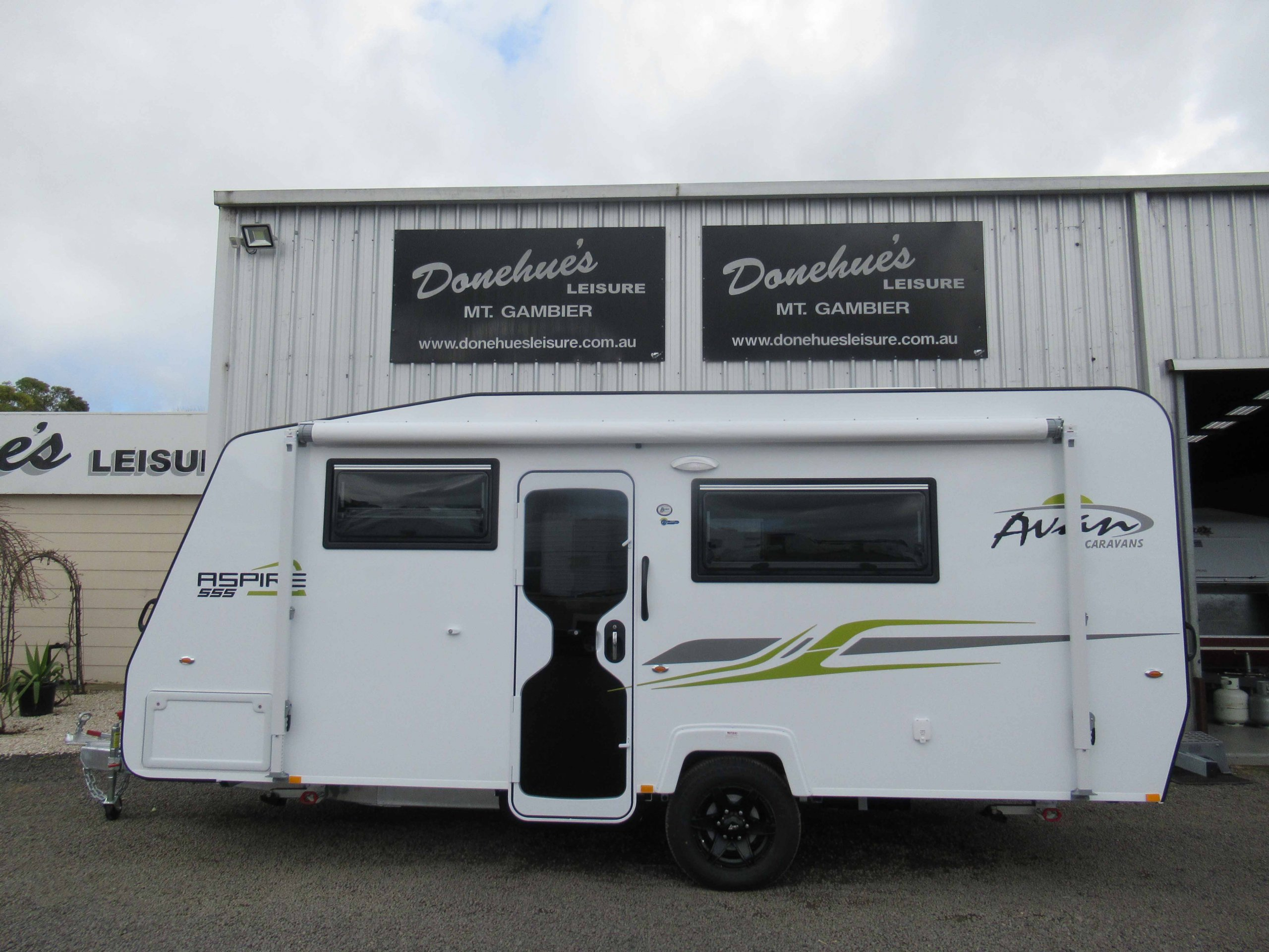 Donehues Leisure New Avan 555 Aspire Caravan Mt Gambier 12424